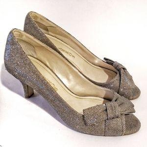✨ Caparros Gold Glitter Bow Heels